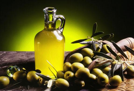 Hình ảnh 7 cách dưỡng da mặt bằng dầu oliu đơn giản hiệu quả số 1
