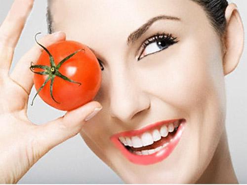 """6 cách đẹp """"từ đầu tới chân"""" với cà chua - 3"""