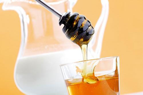 dưỡng da bằng mật ong nguyên chất