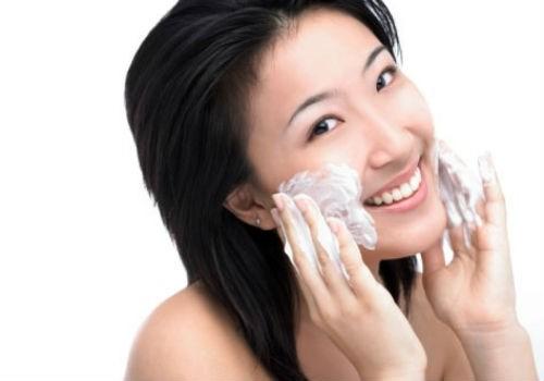 chế kem dưỡng da từ sữa chua