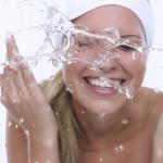 Cân bằng nước cũng là một cách dưỡng da