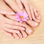 Kem dưỡng da chân cho mùa nóng bức